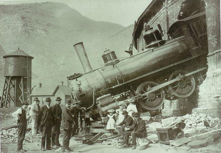 Roundhouse train crash, 1913  in 2019   Train, Locomotive