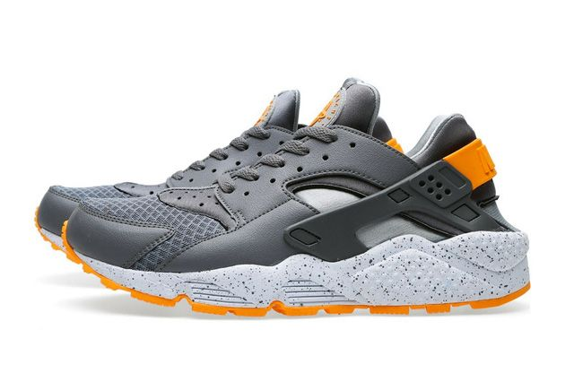 NIKE AIR HUARACHE (COOL GREY/ATOMIC MANGO) - Sneaker Freaker. Atomic mango is delicious.