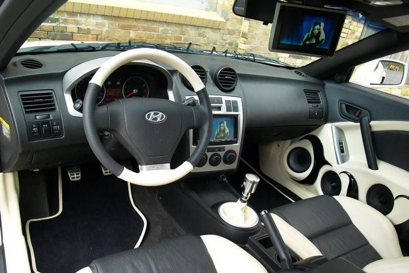 Hyundai Tiburon Tuscani White And Black Interior Custom Hyundai Tiburon Hyundai Dream Cars