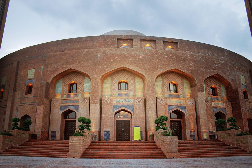 Nayyar Ali Dada brick architecture mosque, Lahore Pakistan ...
