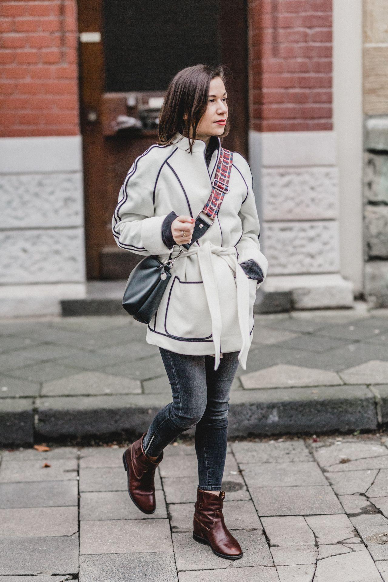 Boho Chic Winter Look Mit Kimono Und Isabel Marant Cluster Boots Auf Liebewasist