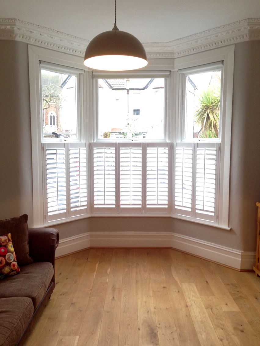 Cafe style shutters on a victorian bay all closed for for Victorian house interior design ideas living room