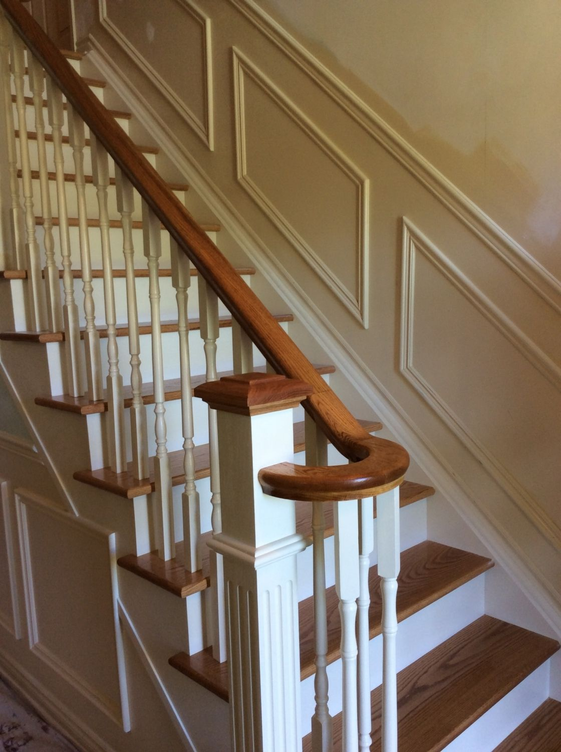 This Oak Staircase Is Straight Two Tone Natural Oak | White Oak Stair Railing