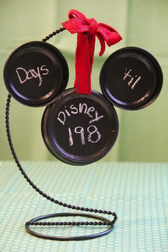Mickey Countdown 'Till Disney Ornament: learn how to make it! #Disney #DIY #Craft