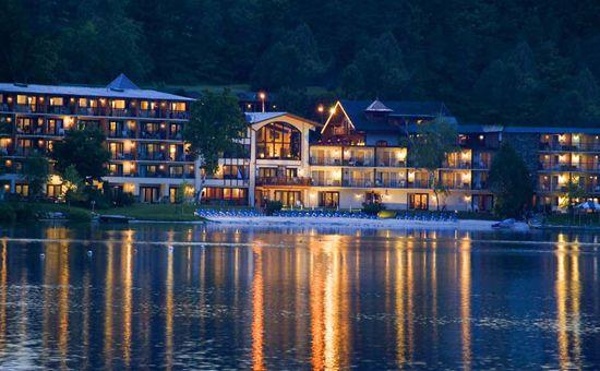 honeymoon at the golden arrow lakeside resort in lake. Black Bedroom Furniture Sets. Home Design Ideas
