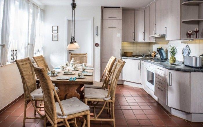 Die Offene Küche In Weiß Ist Mittlerweile Fast Zur Klassik Geworden.  Moderne Materialien Machen Sie Sehr Pflegeleicht Und Zugleich Hell Und  Einladend.