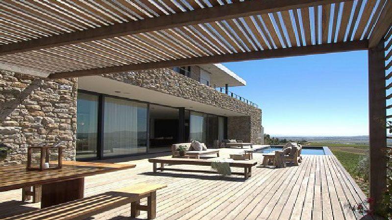 10 belles terrasses en bois pour se d tendre terrasses for Bois pour terrasse exterieur
