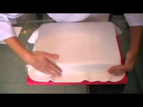 How to cover one rectangular cake - NOT IN ENGLISH