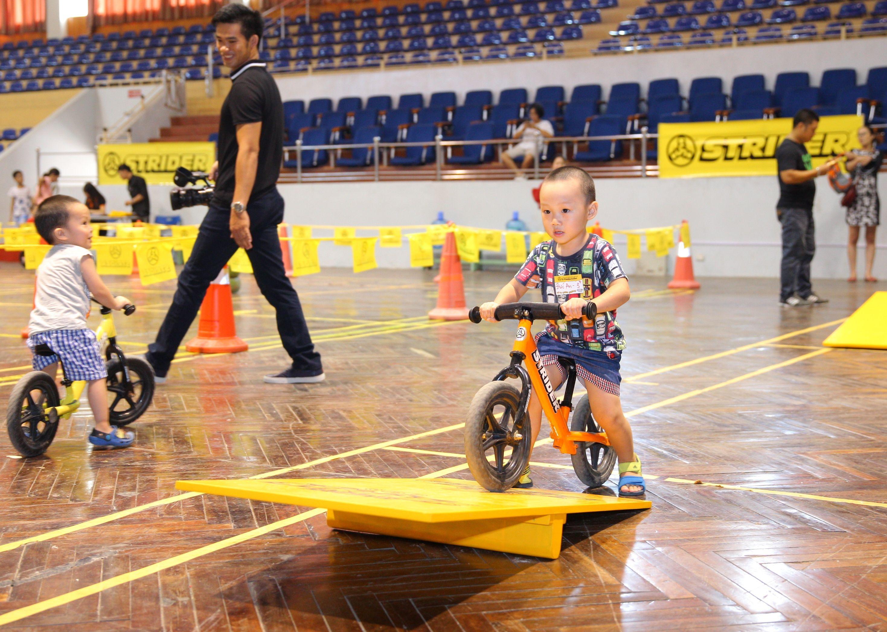 Strider 2016 Summer Race In Hanoi Vietnam Going Over The