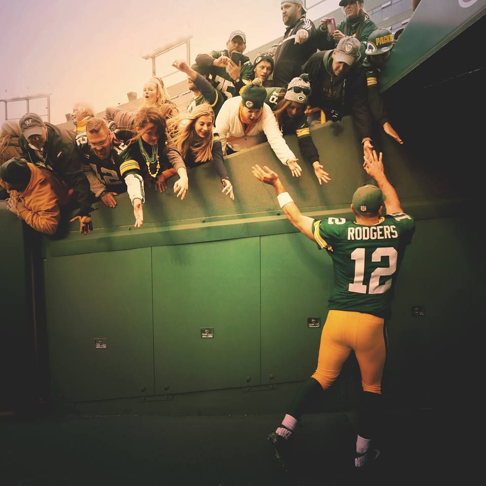 Happy Victorymonday Great Shot Of The Ummm Fans Check Out All The Coverage Fr Green Bay Packers Players Green Bay Packers Fans Green Bay Packers Football