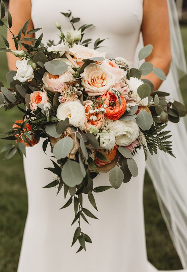 Foodie Romance : Napa Inspired Elegant Wedding #flowerbouquetwedding