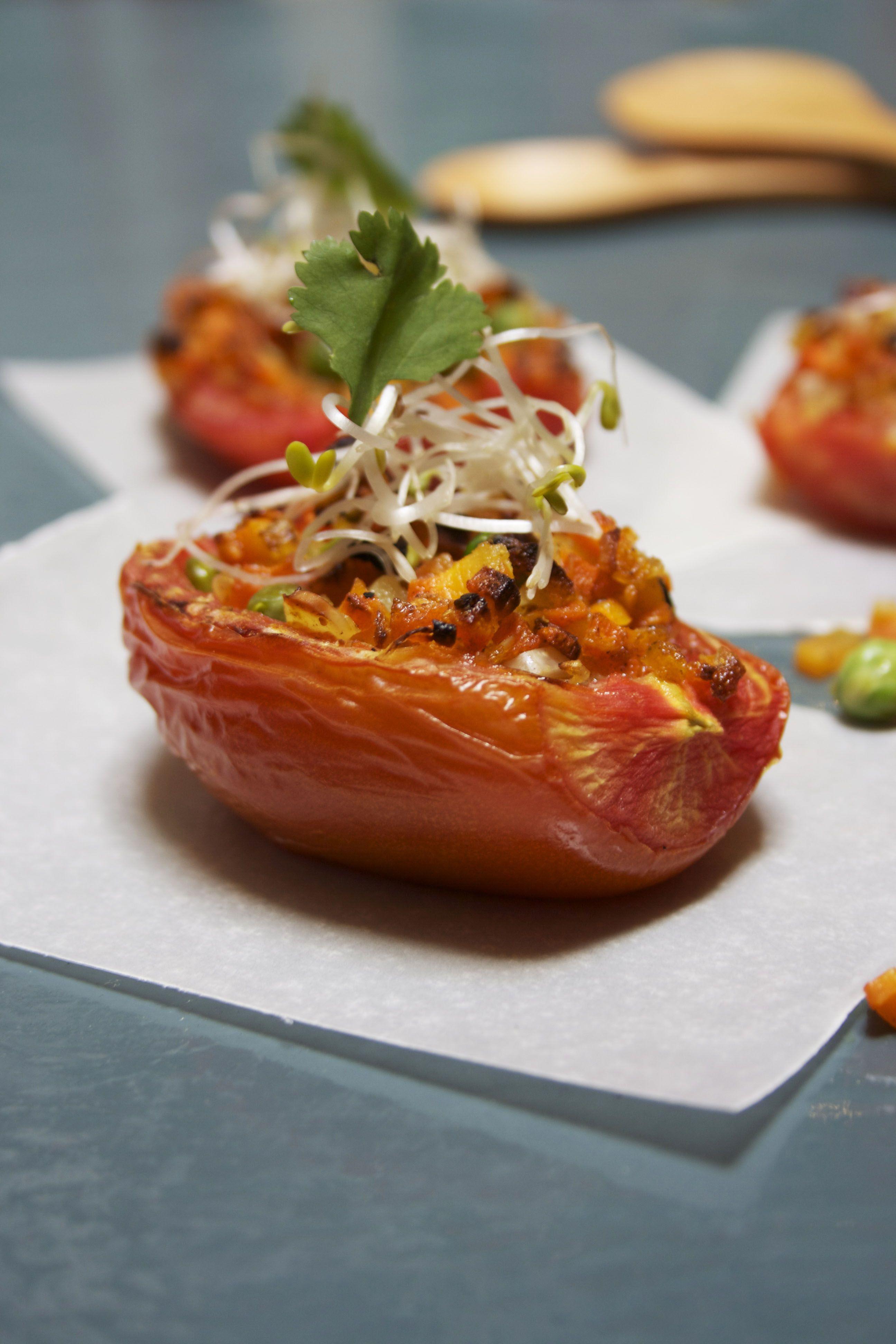 Jitomates rellenos la receta la encuentras en www.gastrosofia.net