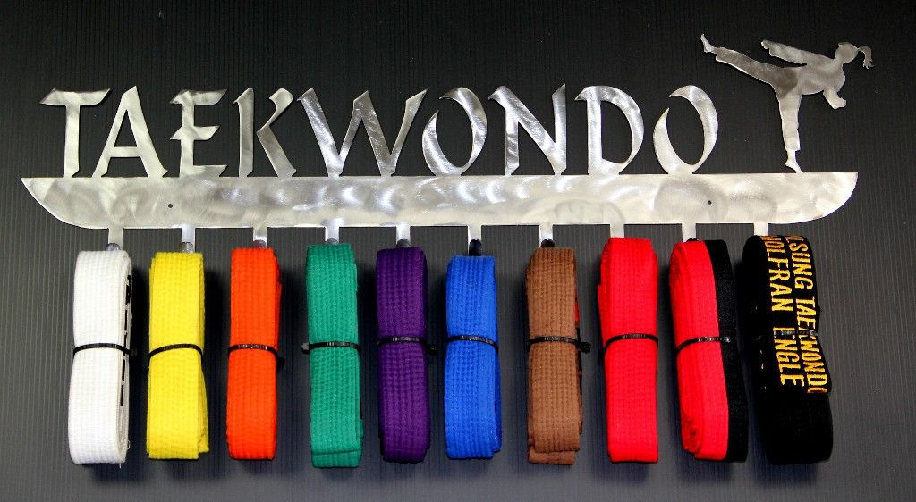 Personalised Martial Arts 8 Belts Hanger Holder Display Rack karate taekwondo