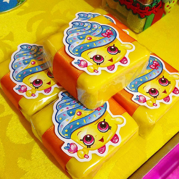 http://inspiresuafesta.com/decoracao-para-festa-infantil-shopkins-sugestoes/