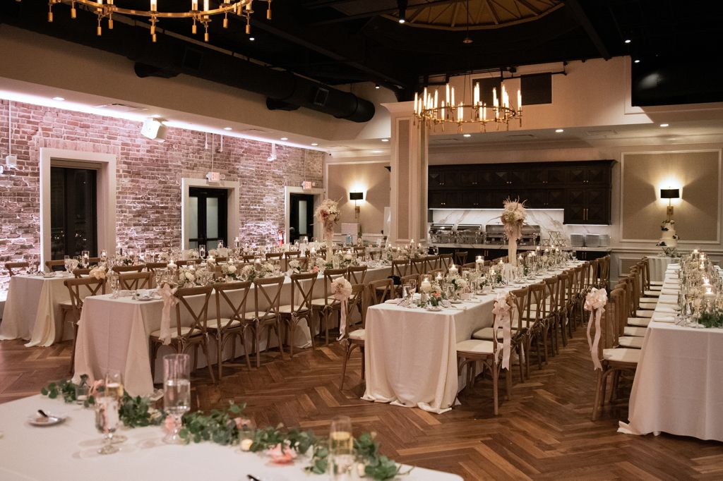 8 Best Unique Tampa Bay Wedding Venues In 2020 Tampa Wedding Venue Tampa Bay Wedding Florida Wedding Venues
