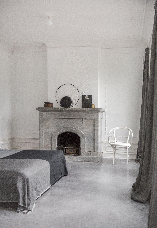 Menu still round marble wall clock