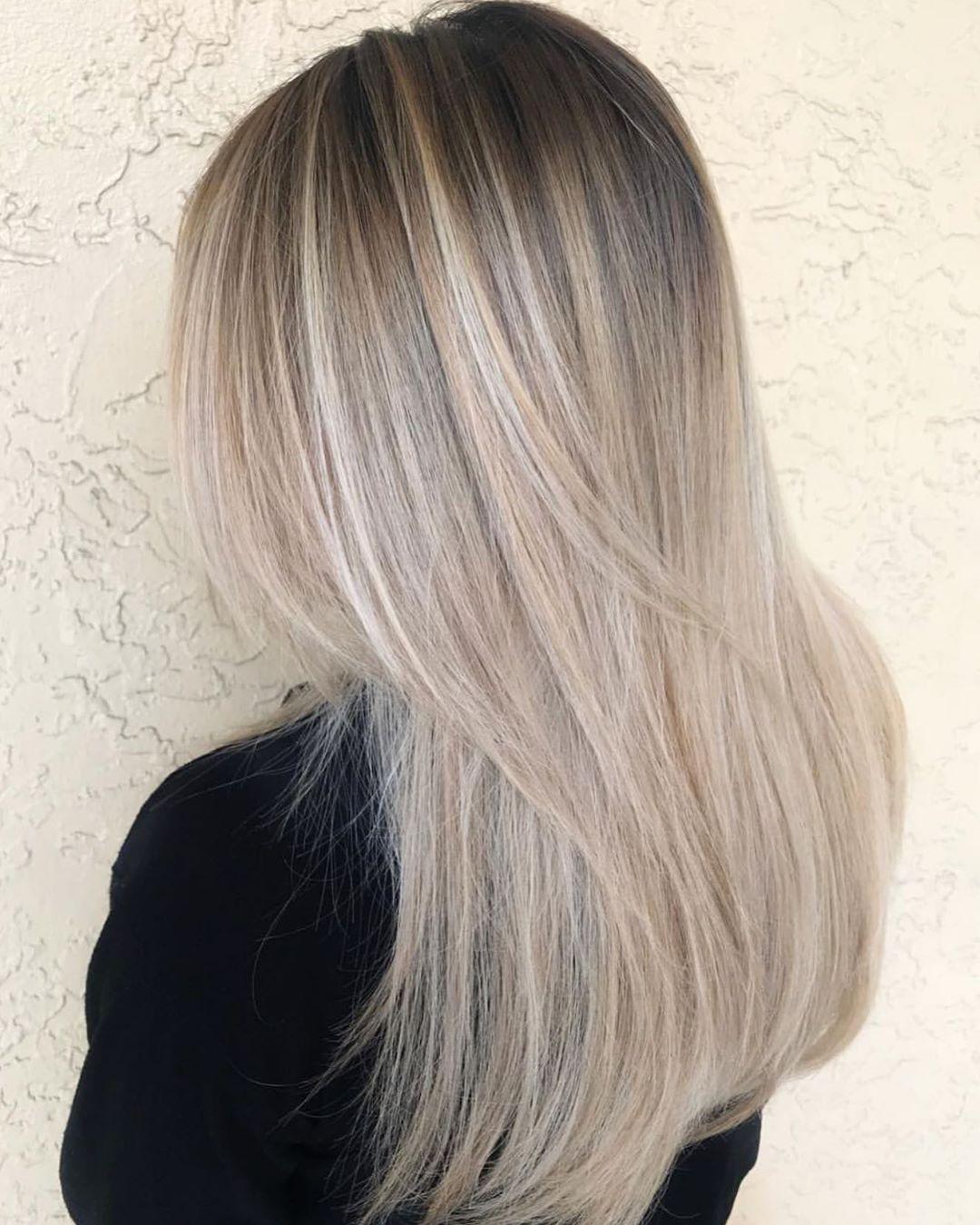 "Carra Osullivan 💙Balayage💙 on Instagram: ""💙 BLENDED 💙 . . . . . #carra_balayage #Daviesalon #haircolorist #balayagecolor #colormelt #balayage #babylights #balayagehair…"""