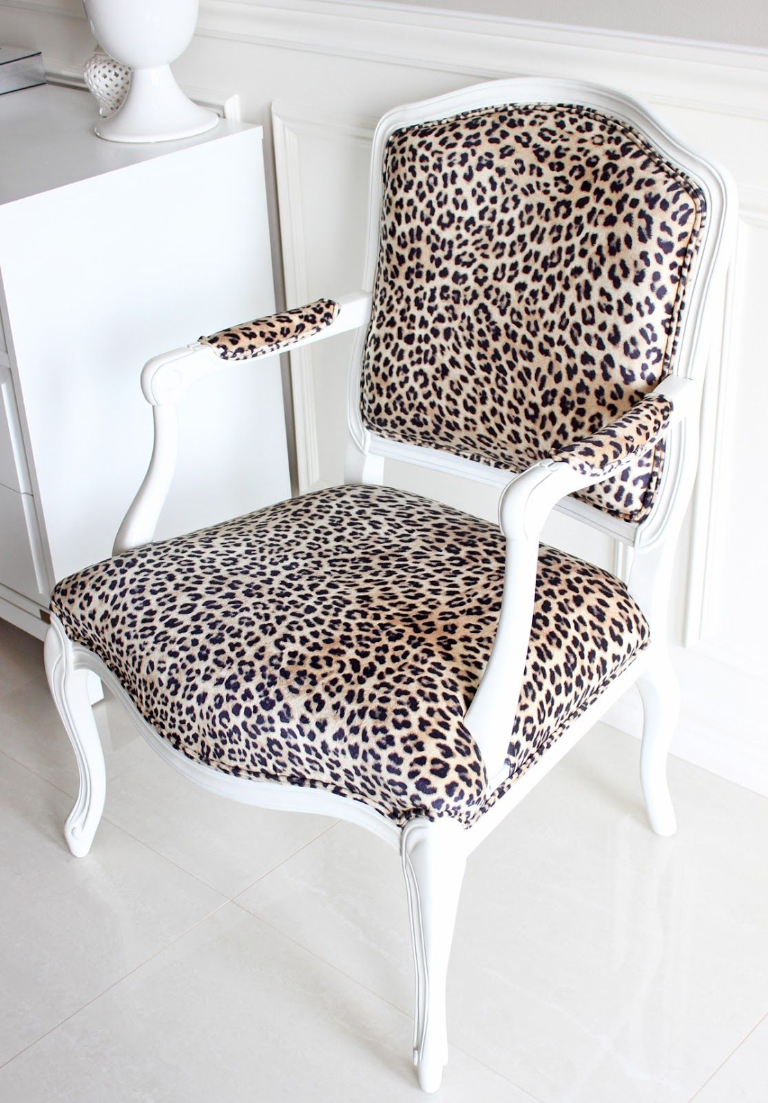 Leopard Chairs Living Room French Louis Xv Sofa They Are Not In The Living Room To Stay