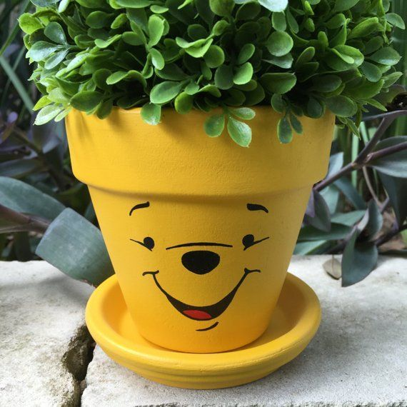Pooh Bear Hand Painted Flower Pot Flowerpotsoutdoor Pooh Bear Hand Painted Flower Pot Etsy Painted Flower Pots Painted Pots Diy Flower Pots Outdoor