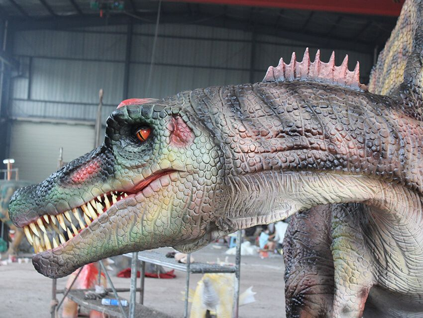 The skin color of the animatronic Spinosaurus is chosen to