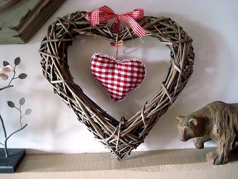 Grande suspension coeur osier et coeur tissu d co coeur d co coeur pinterest deco coeur - Coeur en osier ...