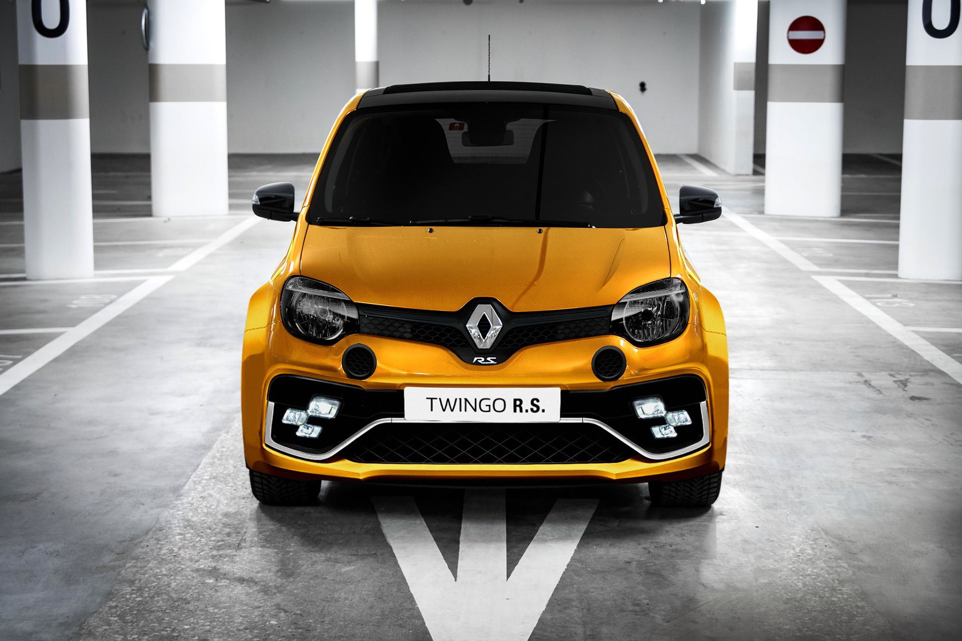 Twingo R S Front Theme Researches On Behance City Car Car