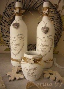 Wine Bottle Decorations Paar Oude Wijn Flessen En Een Honingpotje Gepimpt Met Gesso Drie