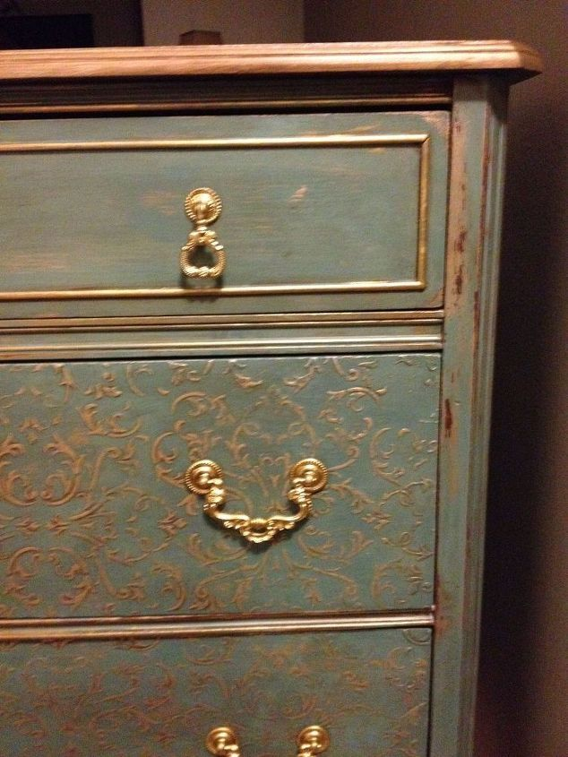 how to use wall spackling a stencil and paint for a glam look, how to, painted furniture