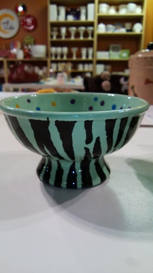 Pottery Painting Idea I Made It For A Candy Dish Crock A Doodle