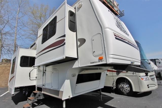 Used 2004 Fleetwood Prowler Regal Ax6 365flts Fifth Wheel For Sale