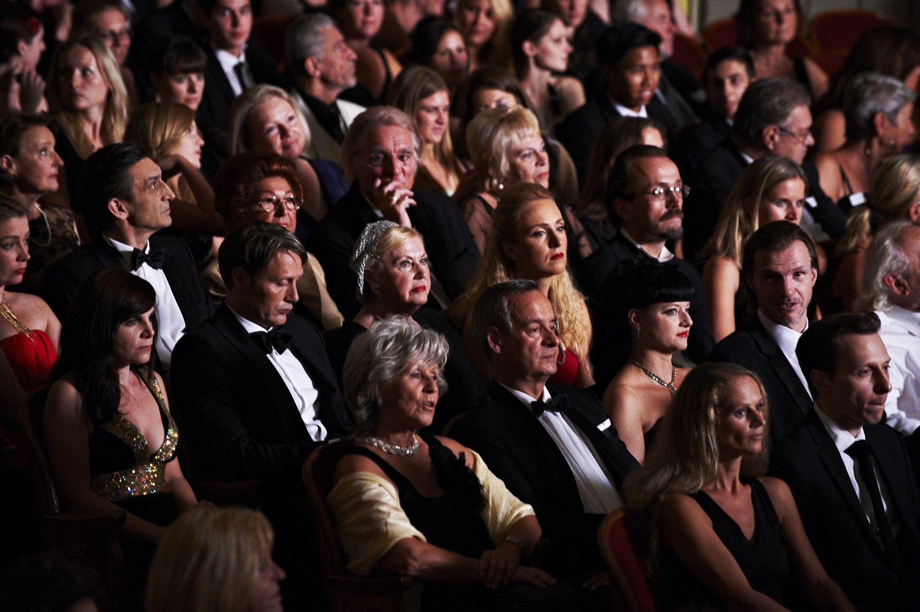 Raskošna bečka opera bila je ispunjena s čak pet stotina statista koje je tražio redatelj Asger Leth.