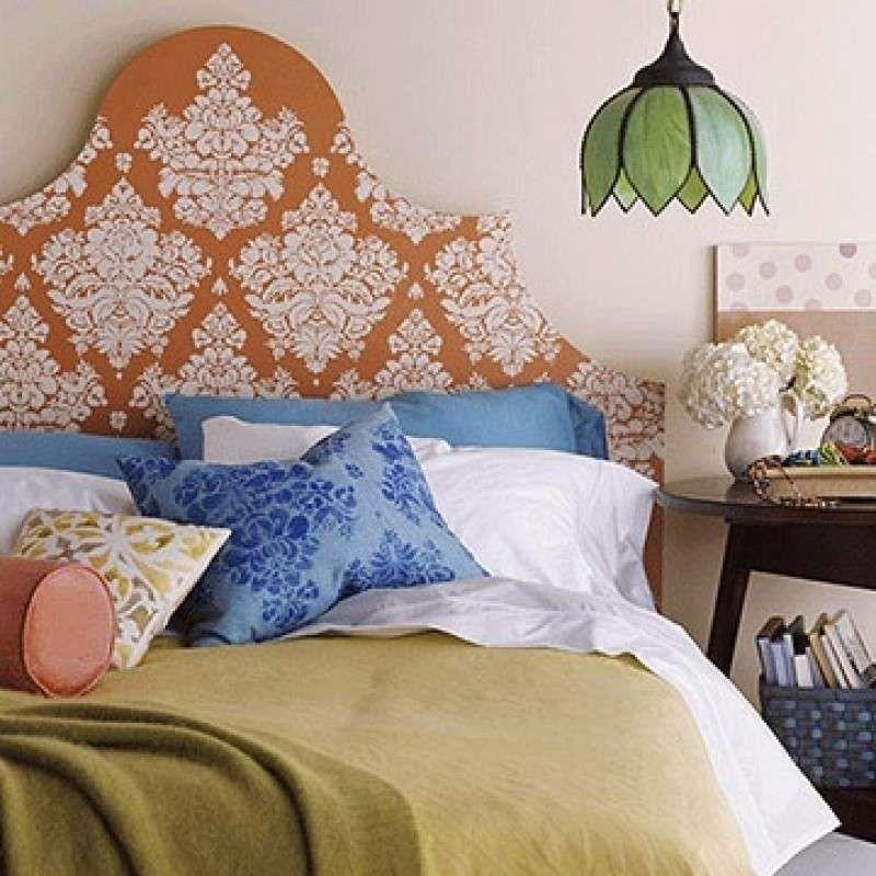 Come decorare casa con gli stencil - Testata letto con stencil