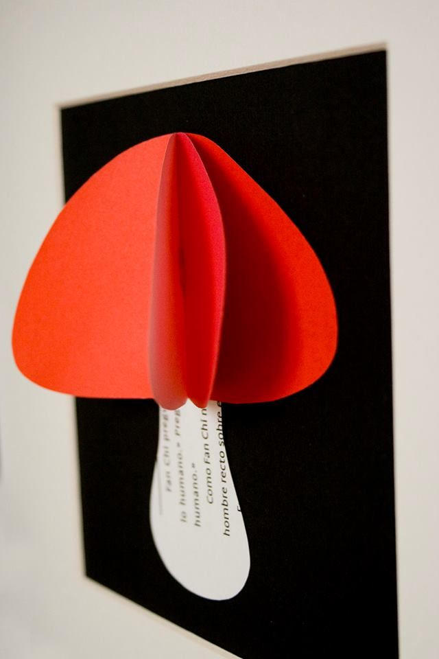 #Seta con volúmen. Tamaño con marco de 23 cm x 23 cm  #papel #arte #cuadro #mushroom   https://www.etsy.com/es/listing/151538307/seta-de-color-rojo?ref=shop_home_active http://elpezestudio.blogspot.com.es
