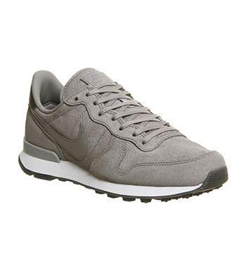 super popular 9fc99 b9bd9 Nike Nike Internationalist (w) Medium Grey Metallic Silver - Hers trainers