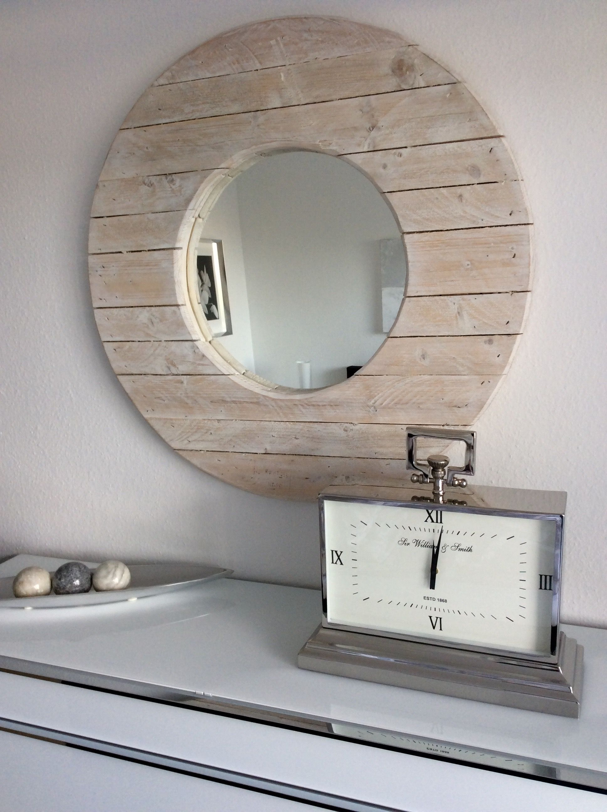 Bezaubernd Spiegel Für Dachschräge Das Beste Von Diy-spiegel Aus Einer Holz-kabeltrommel Mit Weißer Shabby-chic-lasur