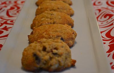 Almond-Cranberry Quinoa Cookies - A healthy, delicious cookie.  How great is that?