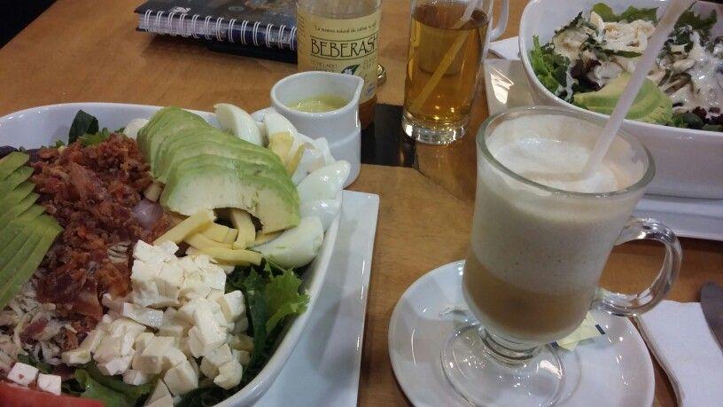 Un fresco almuerzo ,en delicass lima....