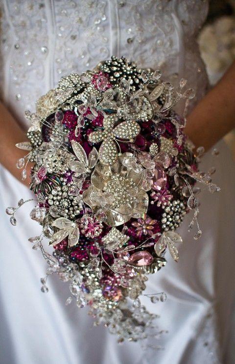 c9bb6c6ad3299 95 Brooch Wedding Bouquets That Will Strike You   Wedding ...