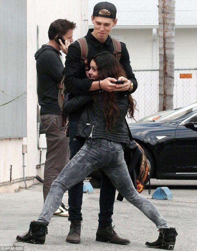 vanessa hudgens distracts boyfriend austin butler from his