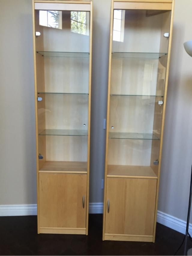 condition good 2 tower display cabinets in maple color laminate rh pinterest com