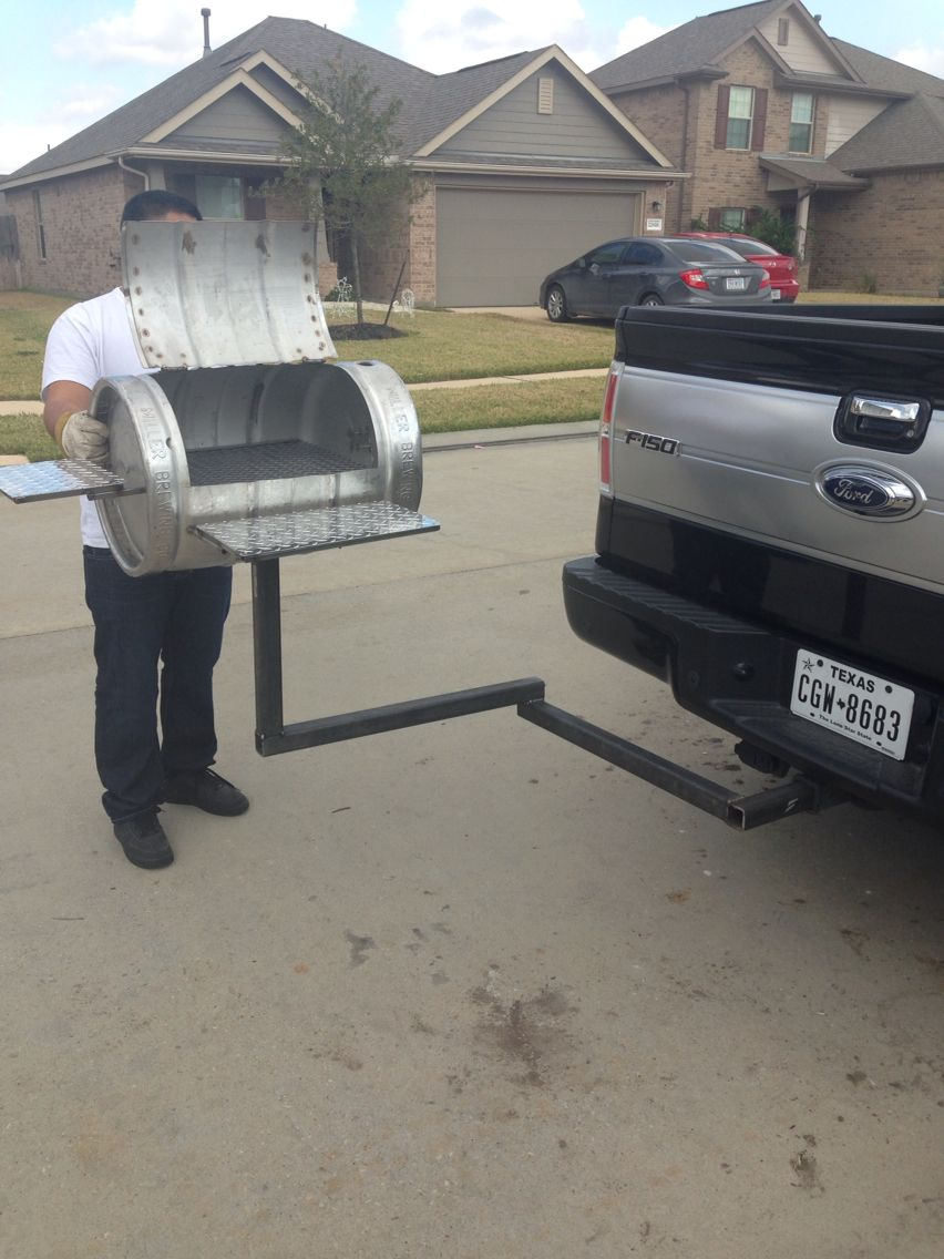 Grill BBQ pit from a keg with detachable hitch | DIY | Diy