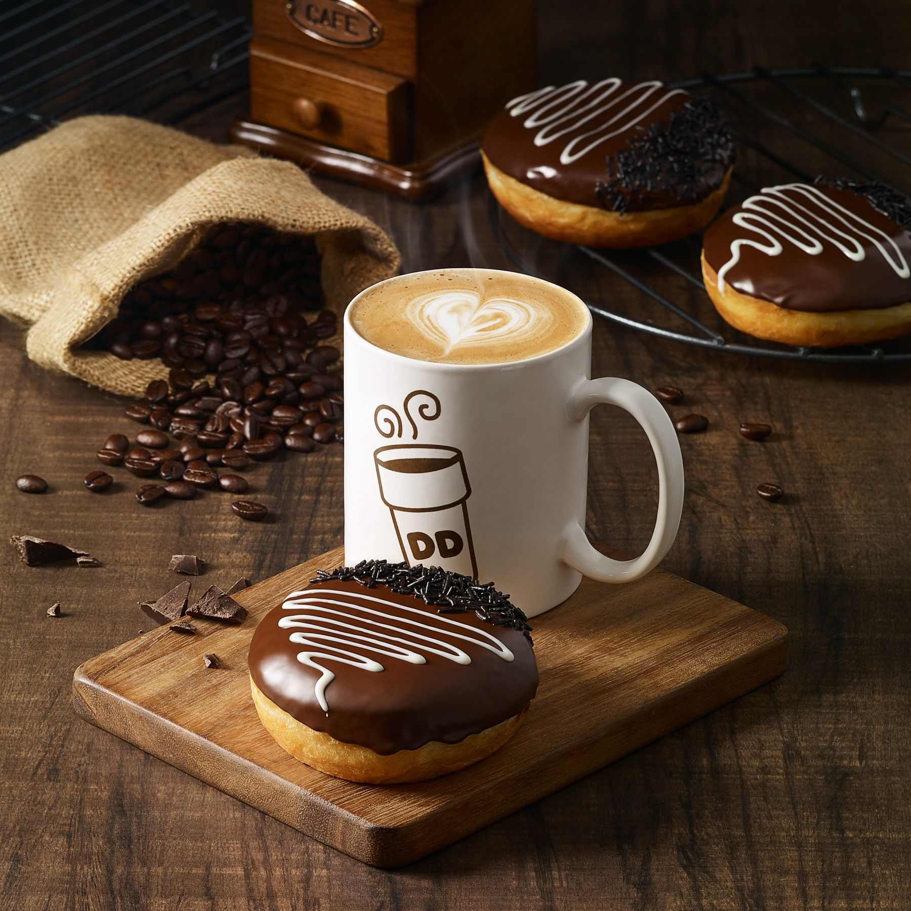 Dunkin' Donuts Coffee and Donuts on Behance | Фуд съемка ...