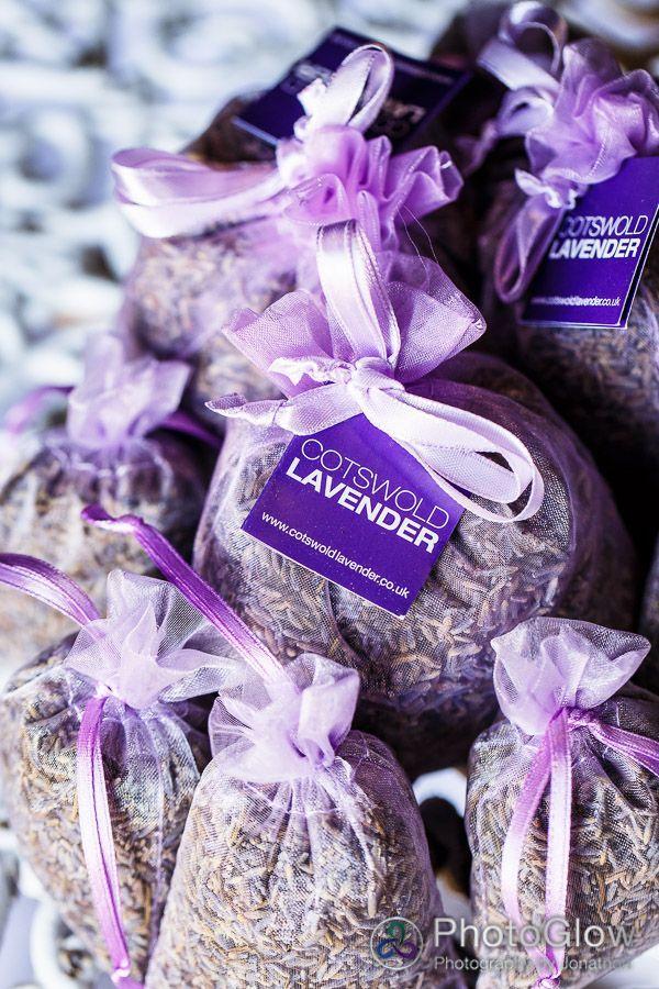 32 Ideas Para Incorporar La Lavanda En Tu Boda Unicas Y Fragantes Purple Wedding FavorsWedding