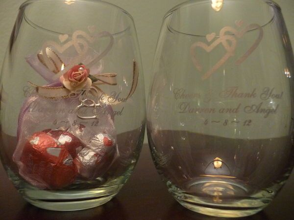 Custom Wedding Favors Personalized Wine Glasses Set of 12 15-ounce Personalized Rustic Woodlands Wreath Design Stemless Wine Glasses