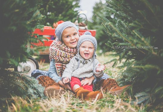 Christmas Tree Farm Photography.Sibling Christmas Tree Photo Christmas Card Ideas Family