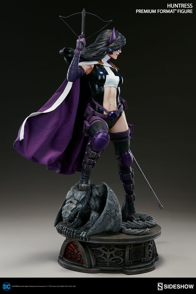 DC Comics Huntress Premium Format(TM) Figure by Sideshow Col | Sideshow Collectibles
