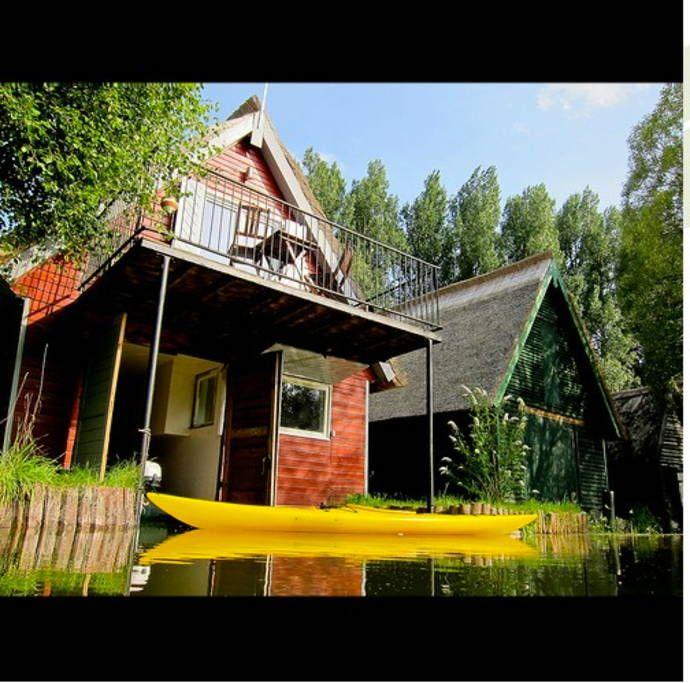 Haus In Goldberg, Deutschland. Mit Motorboot Und 2 Kajaks