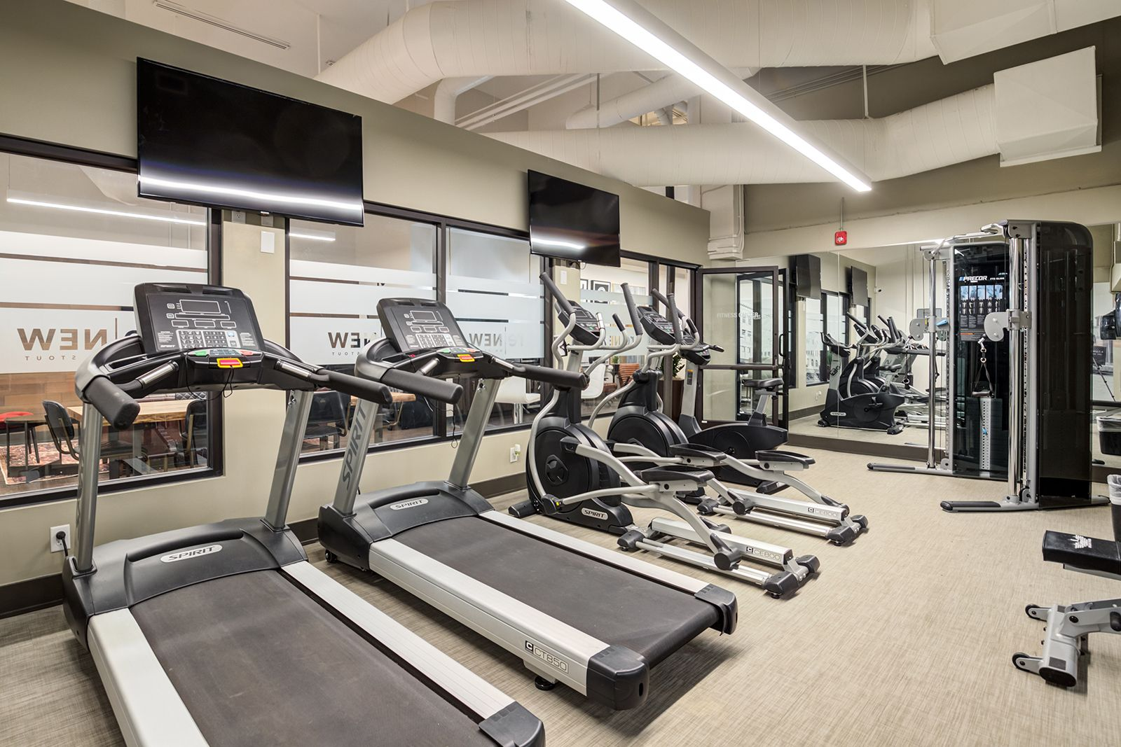 Community amenities include an onsite 24hour accessible