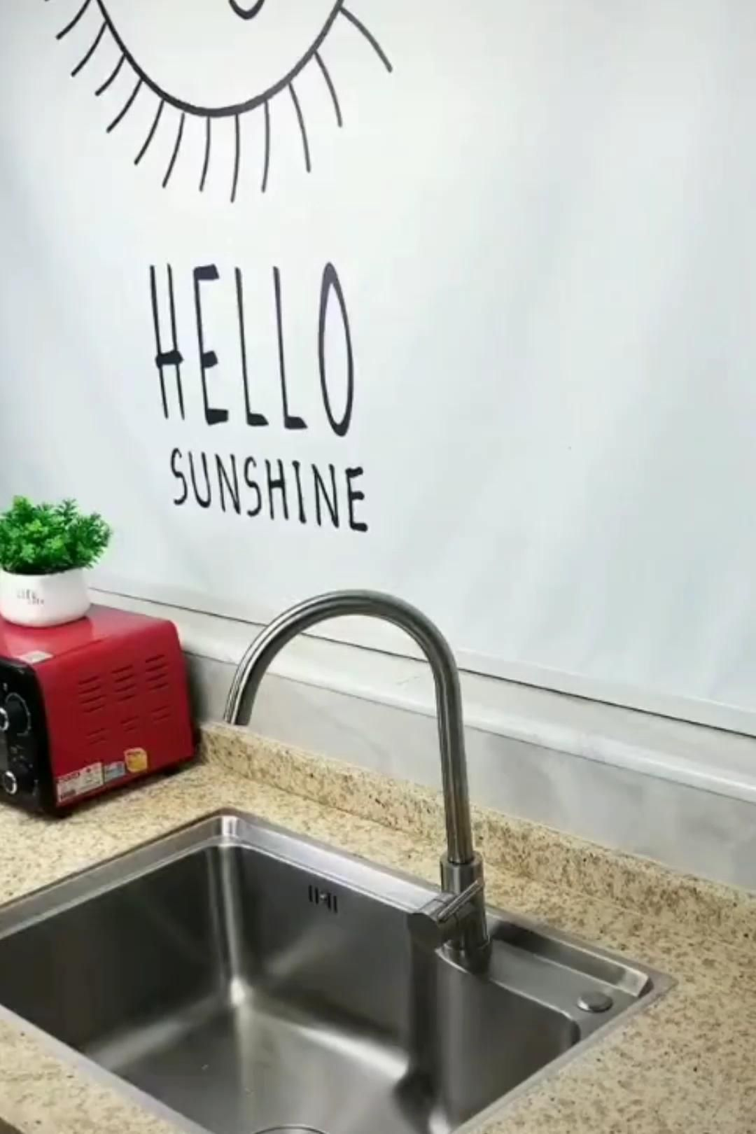 When you live in a tiny home, space becomes a luxury and doing day-to-day tasks become hard and tedious, especially in the kitchen. This is why finding a better workflow is important. Our dish rack fits right above your sink and holds all your eating essentials. Not only does it save space, but also lets your dish air dry, and all excess water drips right back into the sink. Get yours now, click the title!