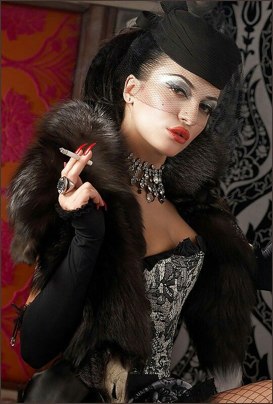 Pin By Darius Khoshbin On Glamour Mature Ladies